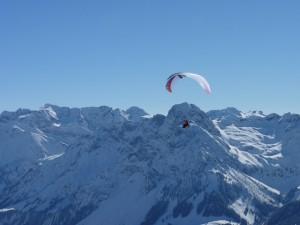 paragliding-657398_640