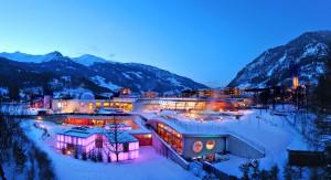 Blaue Stunde Bad Hofgasteiner Alpentherme, aufenommen am 18.2.09 ca. 18 00 Uhr bei - 10 °